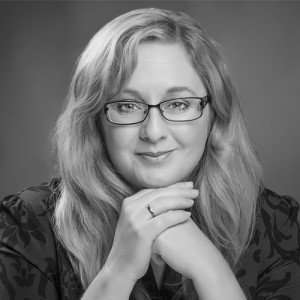 Melanie Casey author of Hindsight, Craven and Missing